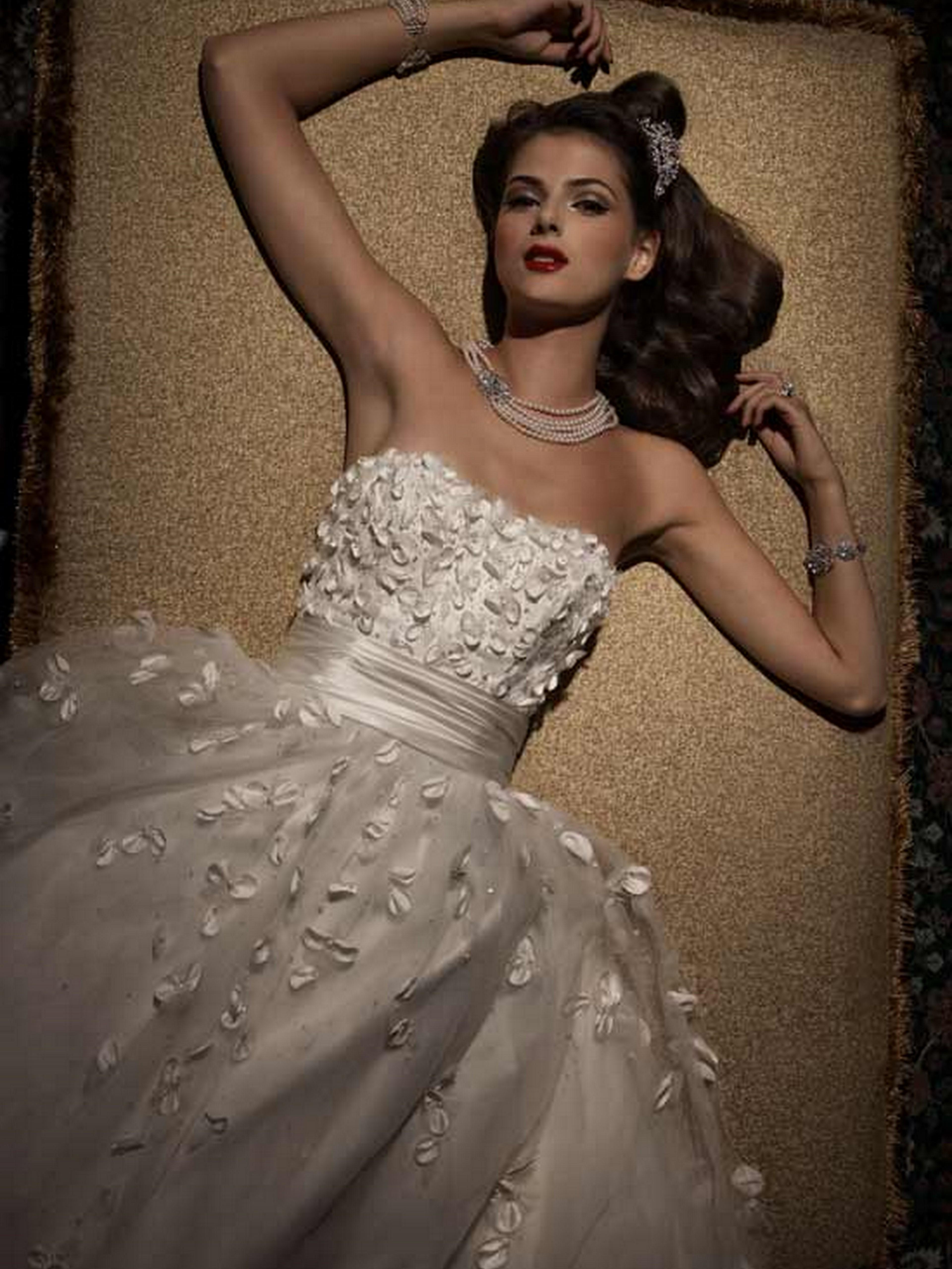 Lo Ve LaLiz Fields   Niche White Bridal Loft. Liz Fields Wedding Dresses. Home Design Ideas
