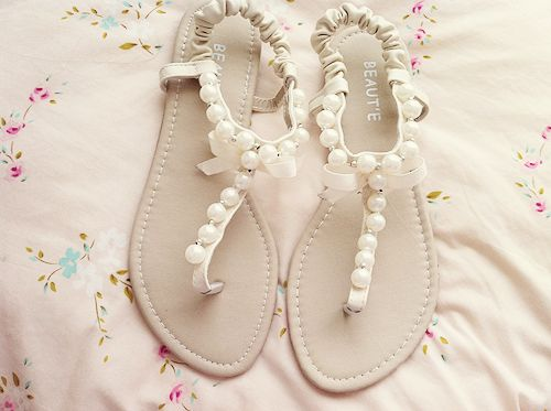 White Summer Sandals For Weddings